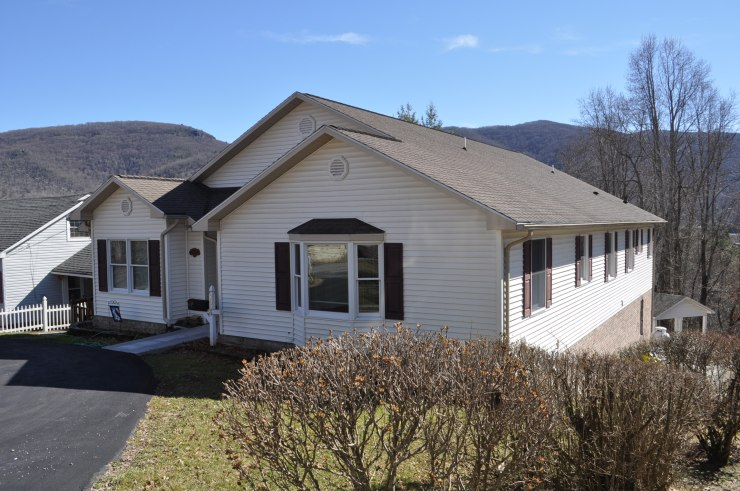 1029 Ridge ave.above average condition, call us to see this spectacular home!